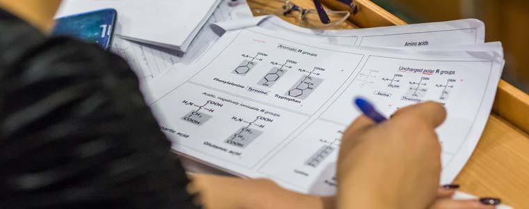 آزمون ورودی دانشگاه های پزشکی مجارستان